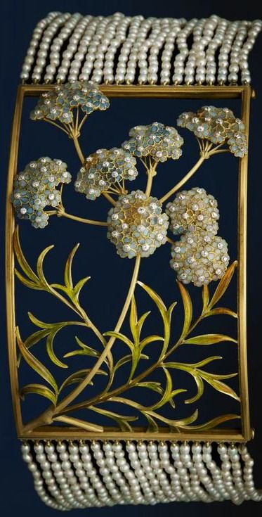 Dog collar necklace, Lalique