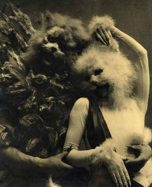 "She is both beauty and beast. La Belle et le Bête, circa 1940. Tirage argentique d'époque"" André Pieyre de Mandiargues – Masques de Leonor Fini. It seems like yesterday, this party. 1y"