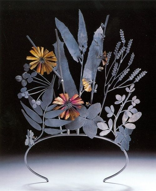 "Geoffrey Munn's ""tiaras: past & present"""